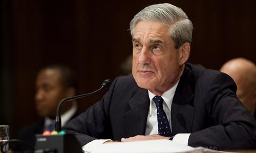 Cựu giám đốc FBI Robert Mueller trong phiên điều trần trước Thượng viện năm 2013. Ảnh: New York Times.