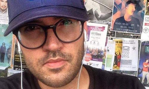 Brandon Vezma nộp đơn kiện đòi tiền vé bạn gái. Ảnh: CNN