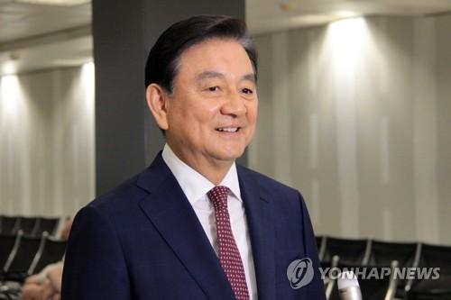 Hong Seok-hyun, cựu đại sứ tại Mỹ, phái viên của Tổng thống Hàn Quốc. Ảnh: Yonhap