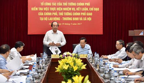 thu-tuong-yeu-cau-bo-lao-dong-sua-doi-can-ban-chinh-sach-nguoi-co-cong