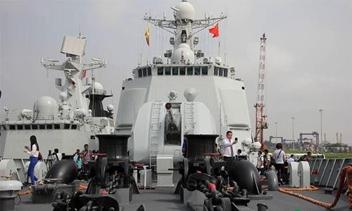 Tàu chiến Trung Quốc.
