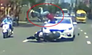 Thanh niên đi Honda SH bị ôtô hất tung lên trời