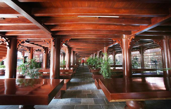 Nhà sàn gỗ lim lớn nhất Việt Nam