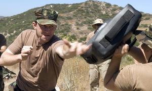 Đặc nhiệm Mỹ hướng dẫn cách tự vệ khi bị cướp
