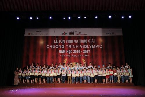gan-4500-hoc-sinh-duoc-vinh-danh-tai-le-trao-giai-violympic-2016-2017