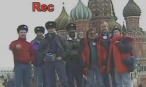 Chiếc camera bốc hơi chỉ vì nhóm người mải mê tự sướng