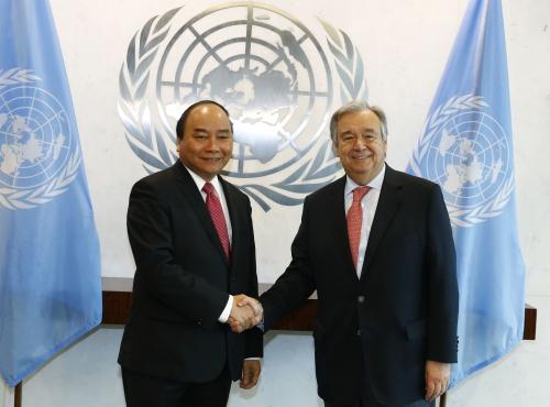 Thủ tướng Nguyễn Xuân Phúc và Tổng Thư ký Liên Hợp Quốc Antonio Guterres. Ảnh: VGP