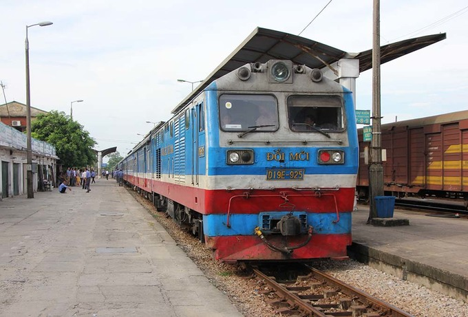 Tàu hỏa chất lượng cao vé rẻ chạy chuyến đầu tại Nghệ An