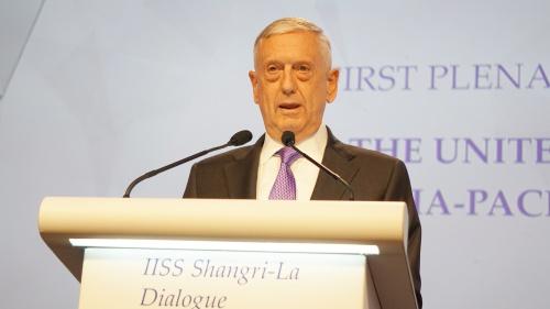 Bộ trưởng Mattis phát biểu trong phiên toàn thể tại Đối thoại Shangri-La. Ảnh: Trọng Giáp