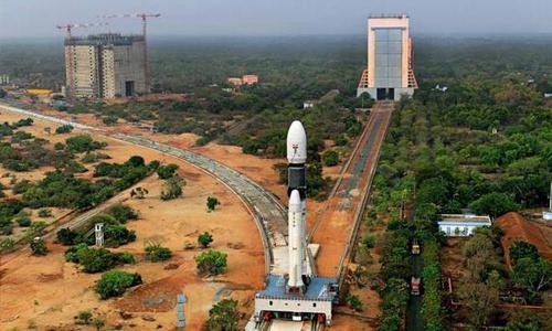 Tên lửa GSLV-Mk III ở Sriharikota ngày 2/6. Ảnh: PTI