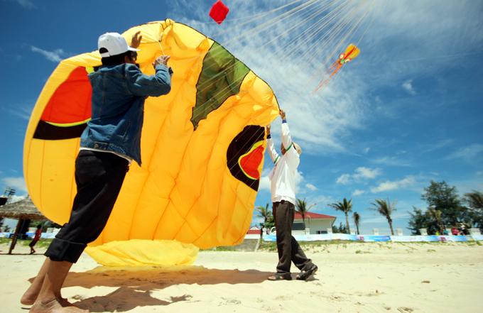 Diều cá mực, rắn rồng bay trên bầu trời Quảng Nam