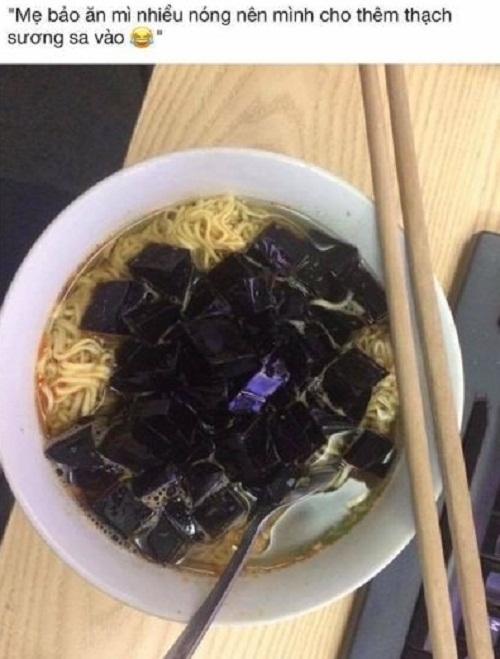 Bí quyết vô tư ăn mỳ không lo bị nóng.