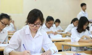 Thí sinh Hà Nội giải tỏa áp lực với đề Văn