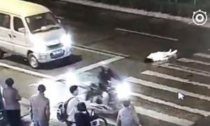 Vụ tai nạn châm ngòi tranh luận về suy đồi đạo đức ở Trung Quốc