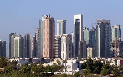 Các tòa nhà ở thủ đô Doha, Qatar. Ảnh: Reuters.