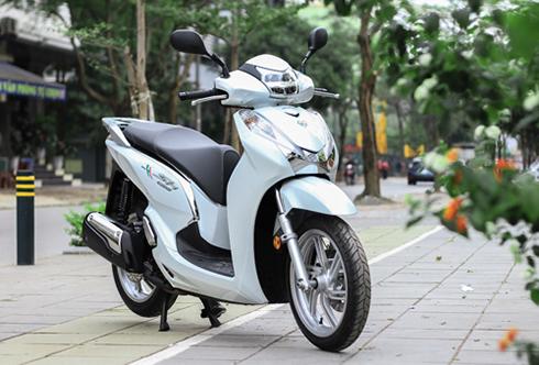 honda-sh-300i-them-ban-the-thao-gia-249-trieu-tai-viet-nam-1