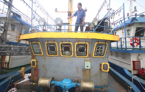 Ảnh 2: Theo kết tổ giám định của UBND tỉnh Bình Định tàu được thay thế thép Hàn Quốc, Nhật Bản bằng thép Trung Quốc. Ảnh: Đắc Thành