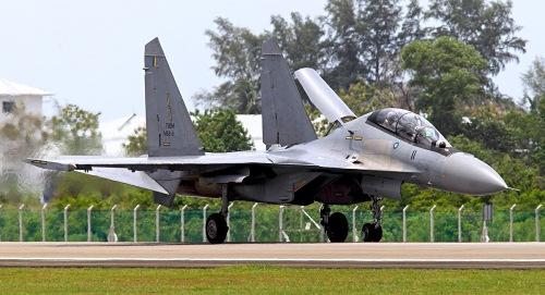 malaysia-gan-bom-my-tren-tiem-kich-nga
