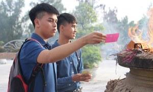 Muôn kiểu cầu may trước ngày thi của sĩ tử Huế