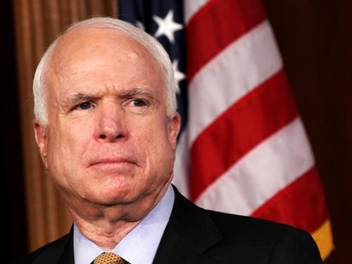 Thượng nghị sĩ John McCain.