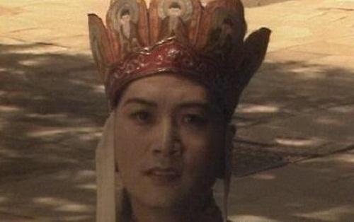 10-loi-hai-huoc-kho-nhan-ra-trong-phim-tay-du-ky-1986