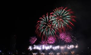 Đêm hội pháo hoa Đà Nẵng nhìn từ trên cao