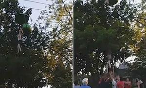 Thiếu nữ rơi từ đu quay ở Mỹ