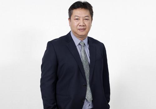 bác sĩ Nguyễn Đăng Dũng - Giám đốc Bệnh viện Mắt Quốc tế DND (Hà Nội).