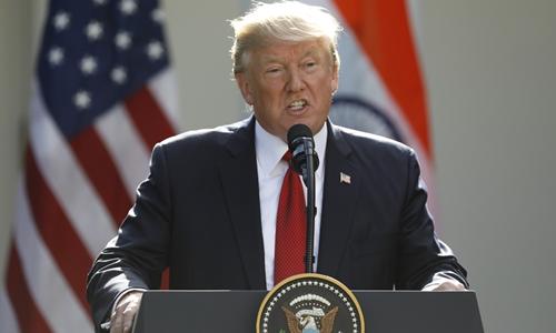 Tổng thống Mỹ Donald Trump phát biểu tại Vườn Hồng, Nhà Trắng, ngày 26/6. Ảnh: Reuters.