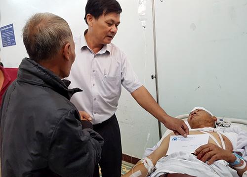 Nạn nhân trong vụ tai nạn đang điều trị tại bệnh viện. Ảnh: Nhật Hạ