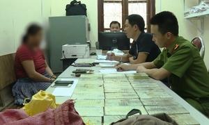 3 nghi phạm cùng 40 bánh heroin bị bắt ở Vân Hồ