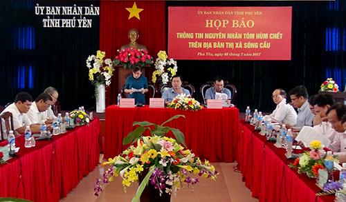 Chính quyền Phú Yên công bố nguyên nhân khiến hơn 1,6 tôm hùm chết. Ảnh: Nguyên Dương