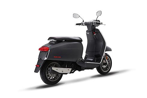 lambretta-v-special-2017-huyen-thoai-scooter-italy-tro-lai-1