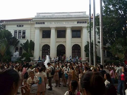 Một trường đại học ở Cebu được sơ tán. Ảnh:The Socials of CNU