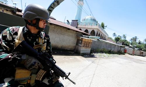 Binh sĩ Philippines trong chiến dịch giành lại Marawi. Ảnh: Reuter.s