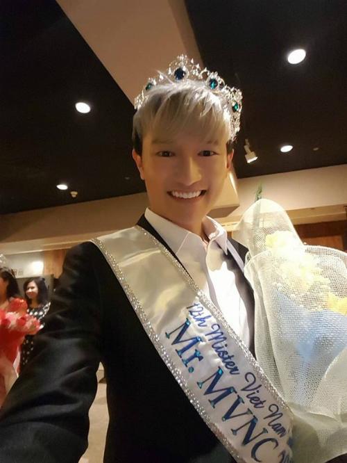 nhan-sac-nam-vuong-nguoi-viet-the-gioi-2017-gay-tranh-cai