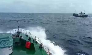 Cảnh sát truy đuổi tàu Thái Lan chở 300.000 lít dầu lậu trên biển