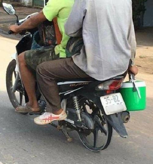 Xe không lốp không phải vì xe không có lốp, đinh tặc