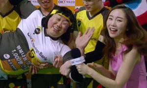 Mỹ nhân Hàn 'phát cuồng' vì màn cứu thua của tuyển thủ bóng chuyền
