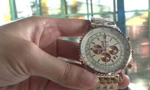 Lô hàng nhái Rolex, Adidas... trị giá hàng chục tỷ trong 8 thùng container