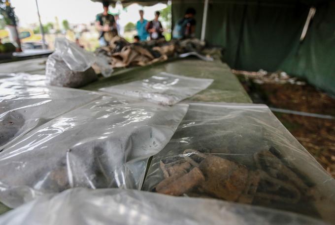 Di vật tìm thấy trong sân bay trong Tân Sơn Nhất