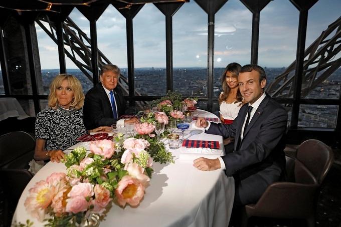 Bữa tối trên tháp Eiffel của vợ chồng Trump - Macron