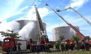 Bộ Công an diễn tập chữa cháy nhà máy nhiệt điện bị sét đánh