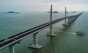 7 năm xây cầu vượt biển dài nhất thế giới ở Trung Quốc