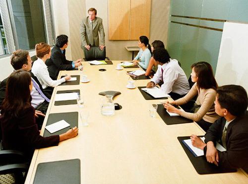 Có nhiều cách để mở đầu một cuộc họp bằng tiếng Anh.