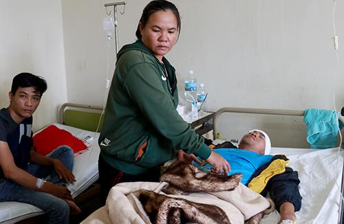 Tai nạn khiến 14 người nhập viện. Ảnh: Xuân Ngọc