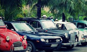 Dàn xe hơi cổ hội tụ tại Sài Gòn