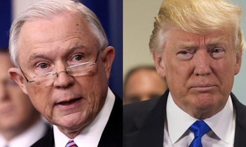 Bộ trưởng Tư pháp Mỹ Jeff Sessions (trái) và Tổng thống Donald Trump. Ảnh: CNN.