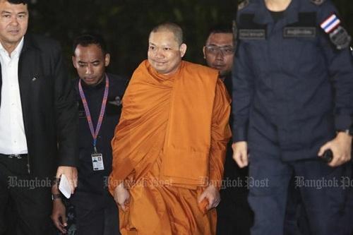 cuu-su-an-choi-khet-tieng-thai-lan-cuoi-khi-bi-dan-do-ve-bangkok