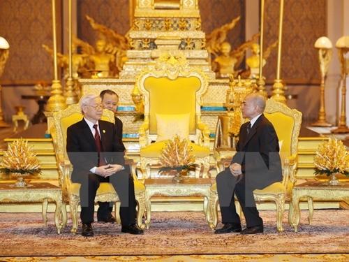 Tổng Bí thư Nguyễn Phú Trọng hội đàm với Quốc vương Campuchia Norodom Sihamoni. Ảnh: TTXVN.